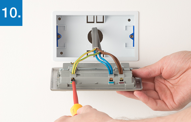 Double Socket Wiring Diagram Uk : How to upgrade gang socket bg electrical accessories