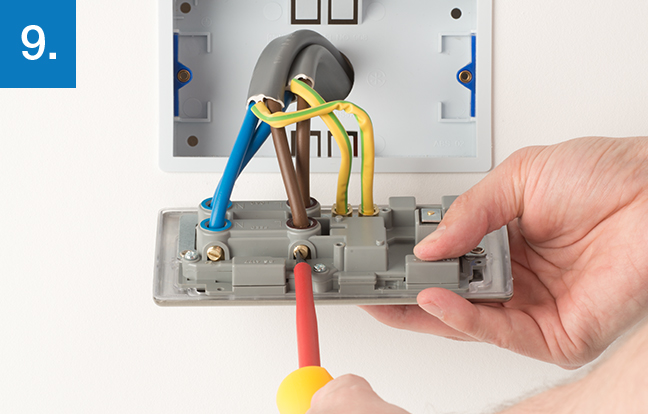 How to upgrade cooker control outlet bg electrical make sure that the wires are fully inserted into the terminal and that no bare copper wire is visible tighten the screws securely onto the cable cheapraybanclubmaster